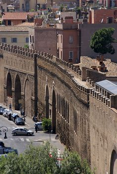 Roma: Passetto from Castel Sant'Angelo ♠
