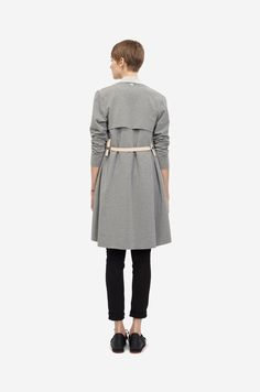 COTTON COAT Shorthaired model wearing a grey cotton coat with nude clip belt and sneakers. Blazer Jacket, Sneakers Design, Grey, Coat, How To Wear, Jackets, Collection, Fashion, Gray