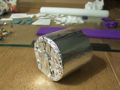 Bracelet mold made from paper and aluminum foil, by Fulgorine