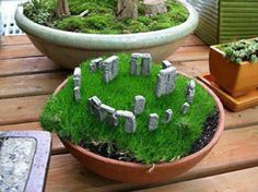 Love this mini Stone Henge from Better Gnomes and Caldrons shared  from  Druid Therapy via Celtic Renaissance and Medieval Trims photo