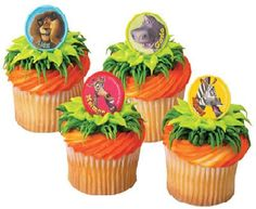 Madagascar rings are a great way to spruce up cupcakes for an outdoor movie party snack - A DIY idea for movie snacks at a backyard movie event by Southern Outdoor Cinema.