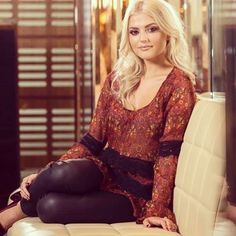 Lucy Fallon Curvy Women Outfits, Clothes For Women, Coronation Street Cast, Lucy Fallon, Alison King, Sexy Hot Girls, Occasion Dresses, Dress To Impress, Sexy Women