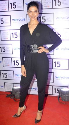 #DeepikaPadukone came to attend Manish's show wearing a black Michael Kors jumpsuit with sparkly Louboutins.   For more pictures click here : www.biscoot.com #Deepika #Bollywood #Fashion #BollywoodFashion #Biscoot #BollywoodActress #LakmeFashionWeek
