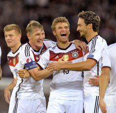 Kroos, Schweinsteiger, Müller, and Hummels