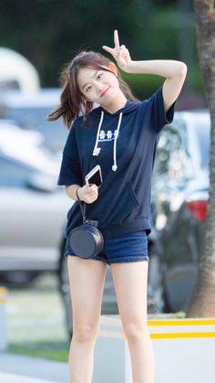 Sohye#170803 cr.Mordekai Cute Korean Girl, Cute Asian Girls, Cute Girls, Angel Kids, School Girl Japan, Cute Girl Photo, Portrait Photo, Japanese Girl, Girl Photos