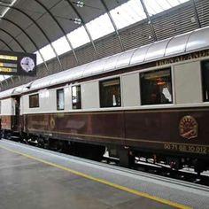 ROVOS RAIL PRIDE OF AFRICA. Desde 1920, este tren es el orgullo de los caminos del Continente Negro. Es famoso a nivel mundial por la calidad de sus viandas y sus instalaciones.