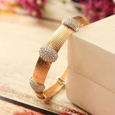 Plain Gold Bangles, Solid Gold Bangle, Gold Bangles Design, Gold Earrings Designs, Gold Jewellery Design, Designer Jewellery, Bridal Jewellery, Diamond Necklace Set, Diamond Bangle