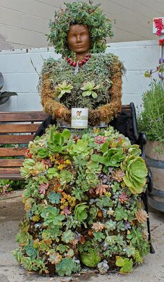 Mother Earth at Ema' Herbs #biocultivo #huertos #jardines