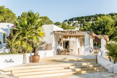 PURE HOUSE IBIZA is an amazing Boutique and Lifestyle Hotel in Ibiza island in Spain. Just a Paradise if you asking from me. Casa Hotel, Hotel Ibiza, Algarve, Ibiza Style Interior, Porches, Ibiza Island, Ibiza Formentera, Ibiza Beach, Ibiza Fashion