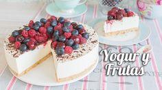 Tarta fría de yogur y frutas