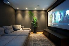 Home Theater Design site Home Theater Room Design, Movie Theater Rooms, Home Room Design, Dream Home Design, Cinema Room Small, Home Cinema Room, Small Movie Room, Home Theaters Pequenos, Salas Home Theater