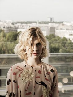 Clemence Poesy with a wavy bob #hair #beauty #frenchstyle