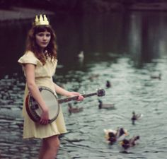 girl and banjo by Olivia Bee Olivia Bee, Favim, Love Pictures, Just In Case, Photo Art, Beautiful People, Pretty People, Fashion Photography, Colour Photography
