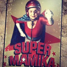 Super mammy in da house