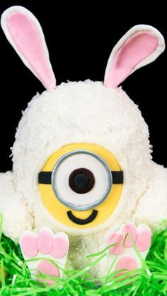 How To Make A MINIONS Easter Bunny Cake