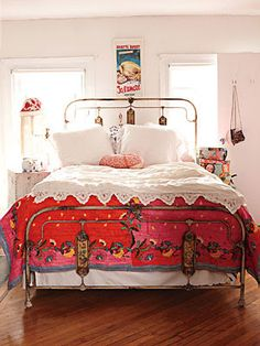 Rail bed frame, colors and movie poster