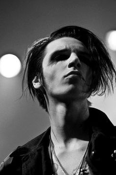 Andy Biersack Black Viel Brides, Black Veil Brides Andy, Jake Pitts, Emo Bands, Music Bands, Thin Lizzy, Andy Black, Motionless In White, Daniel Gillies