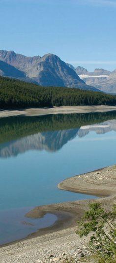 Two Medicine Lake at the Glacier National Park | visitglacierpark.com