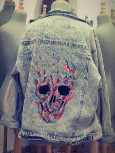 Calavera psicodelica. Bordado | Embroidery | Hecho a mano | Hand made