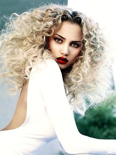 Fantastic natural waves can turn into a look nowadays that women crave! #BigAndBold