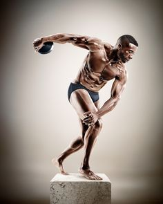 Discus thrower (Untitled) - Sculpture Athletes - Tim Tadder - www.timtadder.com - Glass/porcelain skin effect by Cristian Girotto (digital artist)