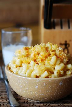 Easy homemade macaroni and cheese by JuliasAlbum.com, via Flickr