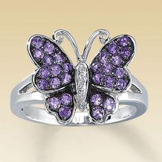 Really neat ring from Kay Jewelers. I want it very bad.
