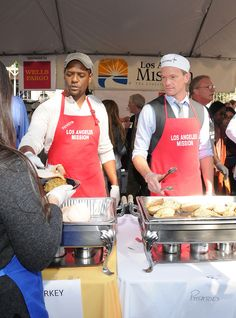 Empathy putting yourself in to someone else's shoe. self-explanatory Neil Patrick Harris and Blair Underwood Feed the Homeless a Thanksgiving Meal Helping Others, Helping People, A Good Man, Life Is Good, Blair Underwood, 2015 Goals, World Hunger, Neil Patrick Harris, Love Your Neighbour