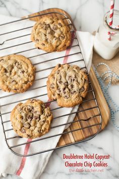 Doubletree Hotel Chocolate Chip Cookies copycat recipe