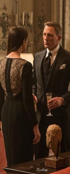 Daniel Craig as James Bond and Monica Bellucci as Lucia Sciarra in 007 Spectre (2015)