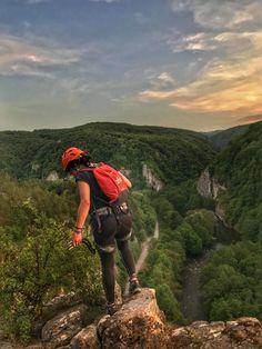 #climbing #nature #sky #mountains #mountaingirl #allgreen
