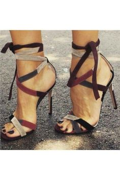 We have some of the trendiest affordable high heel women shoes online today. We have affordable pumps, stilettos and flats that are trending for every season. Hot Shoes, Crazy Shoes, Women's Shoes, Me Too Shoes, Shoe Boots, Shoes Tennis, Shoes 2016, Fall Shoes, Sports Shoes