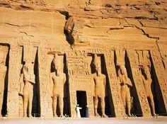 Владимир Миронов. Пирамиды строились в 138000 тысячелетии до нашей эры.