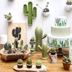 36 Beautiful Cactus Succulents For Home Decoration - homepiez Cacti And Succulents, Cactus Plants, Green Cactus, 2 Birthday, Garden Bridal Showers, Cactus Decor, Cactus Centerpiece, Mexican Party, Mexican Birthday