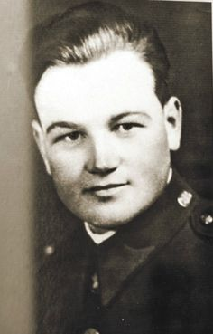 Hot Men, Hot Guys, Soldier Drawing, George Santayana, Forgetting The Past, We Will Never Forget, Someone Like You, Ww2, Military