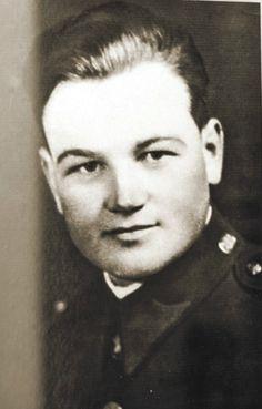 Jan Kubiš (na snímku) a Josef Gabčík se v očích českého národa stali skutečnými hrdiny.