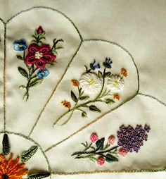 Resultado de imagen para brazilian embroidery designs flowers