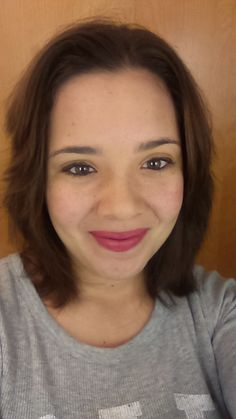"""Fabiola is balancing two jobs at GAP & Domino's Pizza! """"Keep looking and don't give up. I was unemployed for two years. Now I have two jobs and I found them on Snagajob.com."""""""