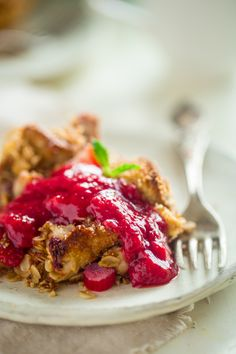 Strawberry Rhubarb French Toast Bake - This easy french toast bake ...
