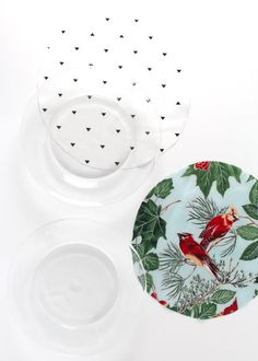 Make these fabric Merry plates with fabric, mod podge, gold HTV + your Cricut!