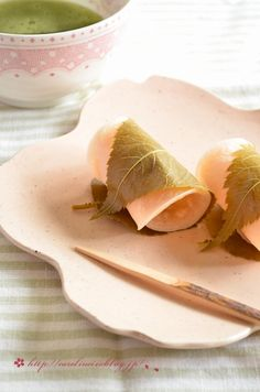 桜餅 : お茶の時間にしましょうか-キャロ&ローラのちいさなまいにち- (元新浦安マダムの憂鬱)