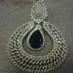 @thejewellcloset -  Stunning Sapphire & Diamond  Earrings.