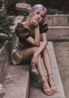 Lisa Black Pink, Black Pink Kpop, Golden Voice, Foto Rose, Look Body, Rose Park, Kim Jisoo, Blackpink Photos, Blackpink Fashion
