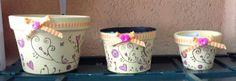 Macetas de barro y de plástico pintadas a mano. Diferentes tamaños y diseños. Pedidos: ventanaverde@gmail.com