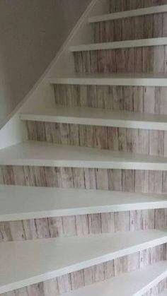 Leuk! Behang voor op de trap evt lakken