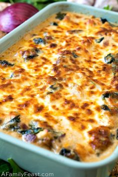 This Keto Chicken Cheese Bake is loaded with tender pieces of chicken, mushrooms, bacon and spinach in decadent cream sauce. This Keto Chicken Cheese Bake is loaded with tender pieces of chicken, mushrooms, bacon and spinach in decadent cream sauce. Ketogenic Recipes, Low Carb Recipes, Diet Recipes, Cooking Recipes, Healthy Recipes, Ketogenic Diet, Ketos Diet, Atkins Recipes, Cooking Bacon