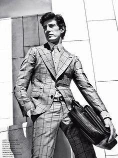 Oriol Elcacho for GQ Italia by  linda imagem look perfeito