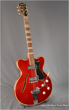 Hofner verythin semi acoustic guitar, buying this for sure