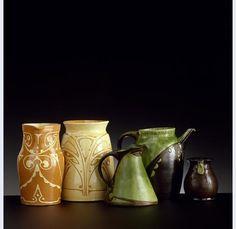 GROEP KANNEN EN VAZEN WILLEM COENRAAD BROUWER [1877-1933] Gouda 1900-1918 Vintage Pottery, Ceramic Vase, Moscow Mule Mugs, Art Nouveau, Clay, Interiors, Ceramics, Antiques, Tableware