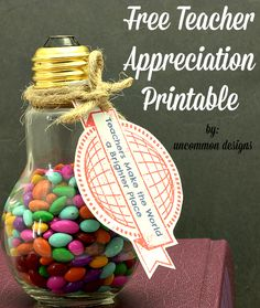 Looking for a cute gift for teacher appreciation week? We have you covered with a free teacher appreciation printable and tote bag gift idea. Teacher Treats, Teacher Gifts, School Gifts, Student Gifts, School Stuff, Craft Gifts, Diy Gifts, Father's Day Printable, Free Printables